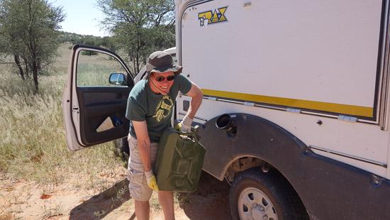 Namibia Rundreise Tanken